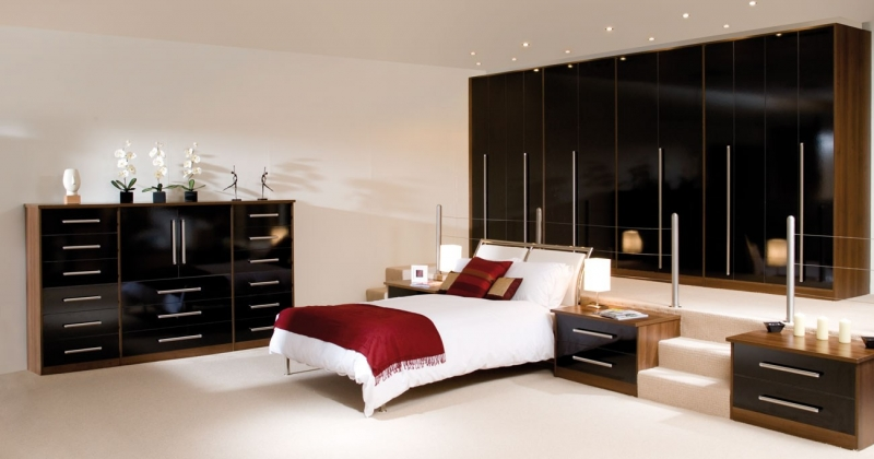 valentino-black-fitted-bedroom-storage