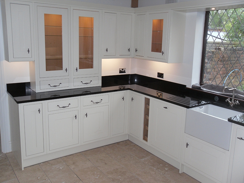 Fitted kitchen service london fitted kitchens middlesex for Small fitted kitchens