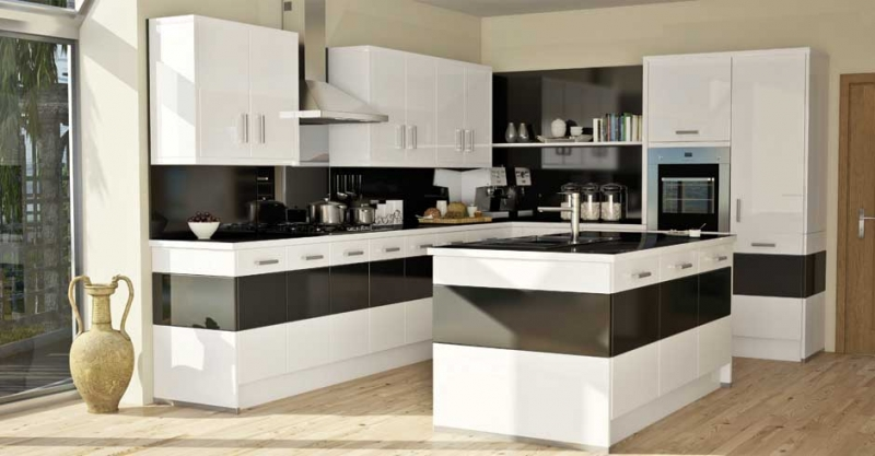 Black-white-gloss-monochrome-kitchen