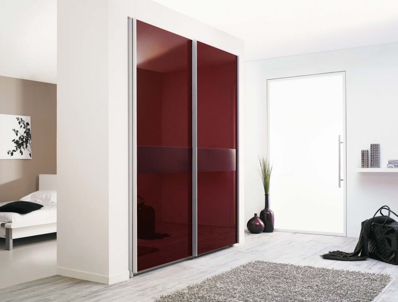 modern-wardrobe-with-refined-door-design-1